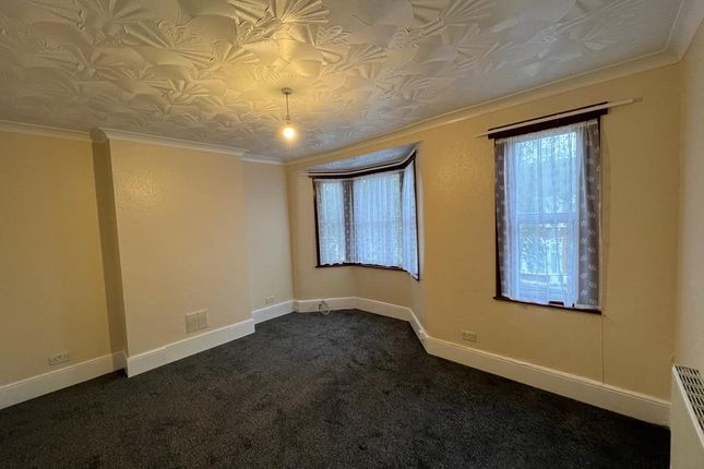 Thumbnail Flat to rent in Strone Road, London