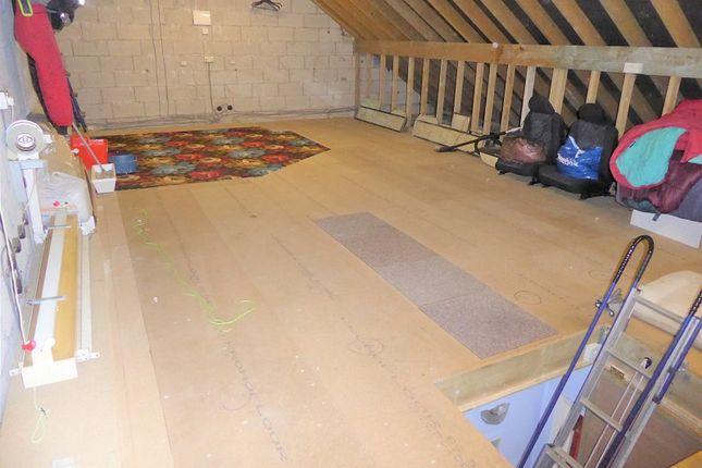Coytrahen Bridgend Cf32 3 Bedroom Detached Bungalow For Sale