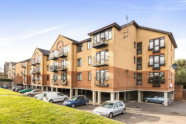 Thumbnail Flat to rent in London Road, Greenhithe