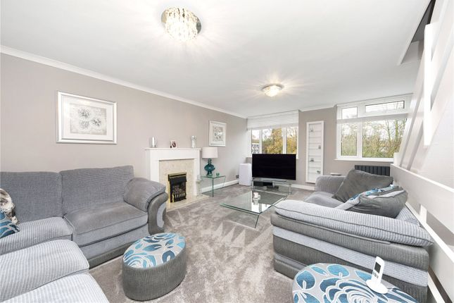 Picture No. 22 of Silver Tree Close, Walton-On-Thames, Surrey KT12