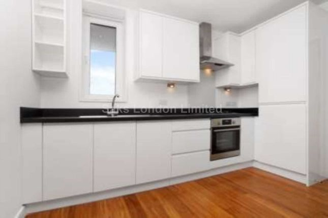 1 bed flat to rent in Gladstone Road, Norbiton, Kingston Upon Thames KT1