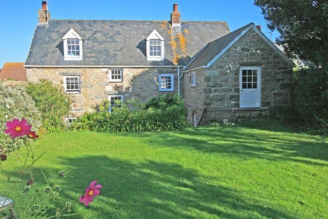 Thumbnail Town house for sale in 17 Little Street, Alderney