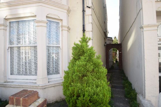 Thumbnail Semi-detached house to rent in Pitcroft Road, Portsmouth