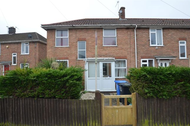 4 bed semi-detached house to rent in Motum Road, Norwich NR5