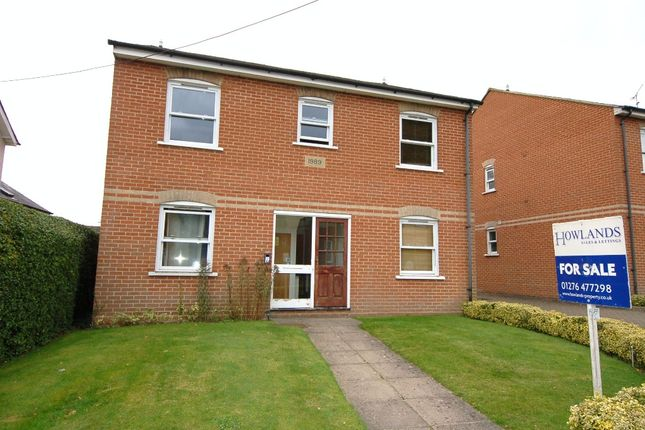Thumbnail Flat for sale in Updown Hill, Windlesham