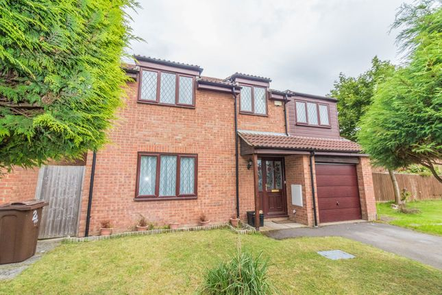 Thumbnail Detached house for sale in Hengrave Close, Lower Earley, Reading