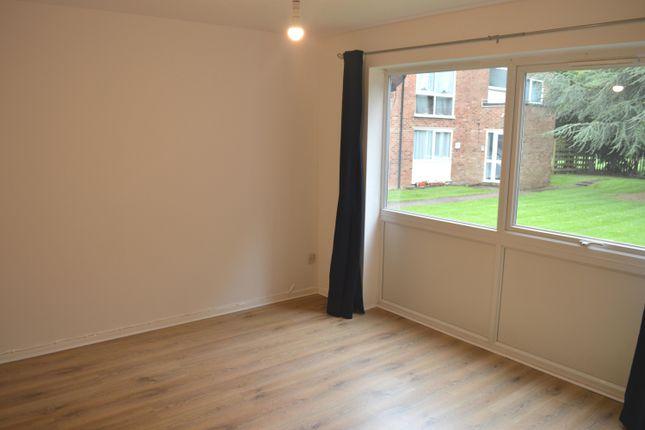 Thumbnail Flat to rent in Epping Green, Hemel Hempstead