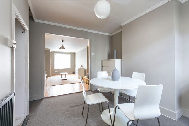 Thumbnail Flat to rent in Southampton Way, London, Camberwell