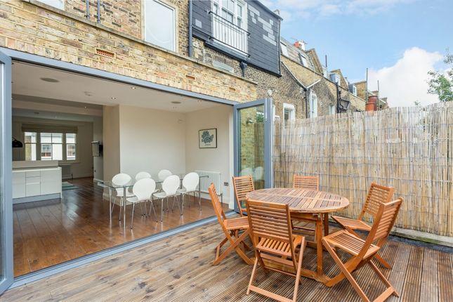 Maisonette to rent in Kings Road, London
