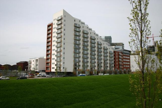Thumbnail Flat to rent in Glasgow Harbour Terraces, Glasgow