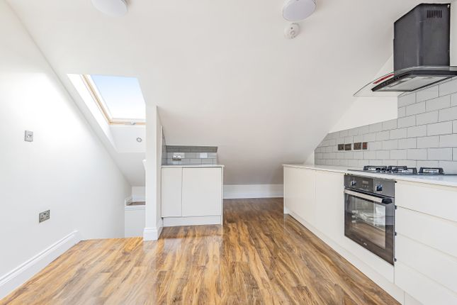 Thumbnail Town house for sale in Holmesdale Road, Croydon