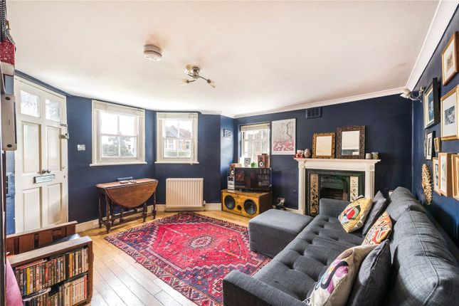 2 bed flat for sale in Jerningham Road, New Cross SE14