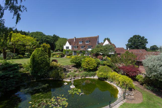 Thumbnail Detached house for sale in Burchetts Green Road, Littlewick Green, Maidenhead, Berkshire