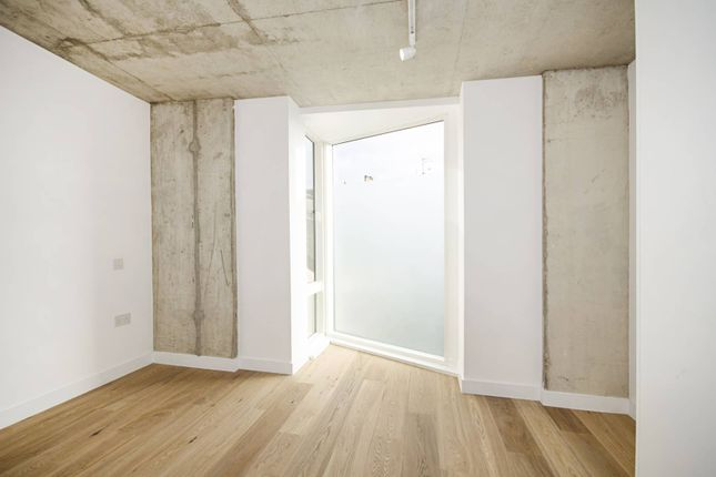 Thumbnail Terraced house to rent in Brooksby's Walk, Homerton