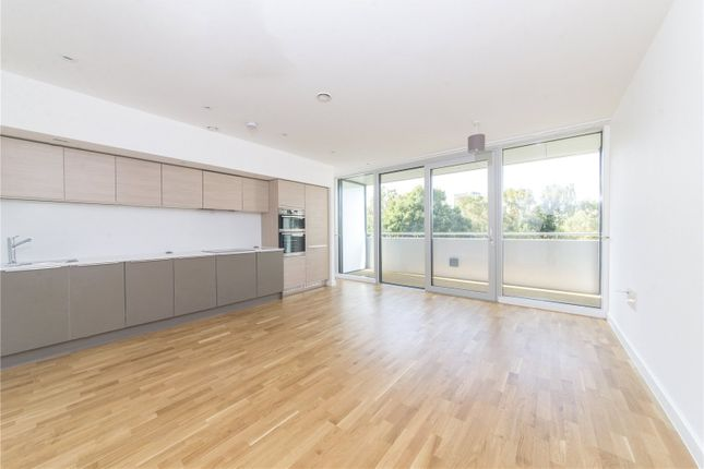 Thumbnail Flat to rent in Chiswick Point, Chiswick, London