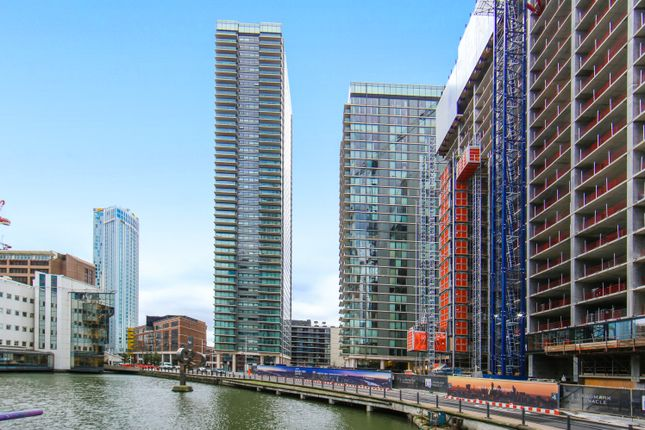 Thumbnail Flat for sale in Landmark East; 24 Marsh Wall, Canary Wharf