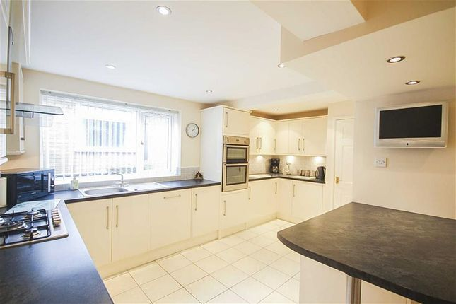 4 bed detached bungalow for sale in Meadow Close, Burnley