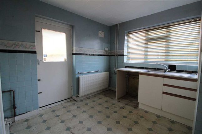 Kitchen of Windsor Road, Maghull, Liverpool L31