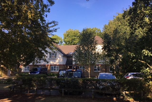 2 bed flat for sale in Retreat Way, Chigwell IG7