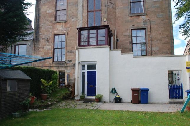 Thumbnail Flat to rent in Fox Street, Greenock