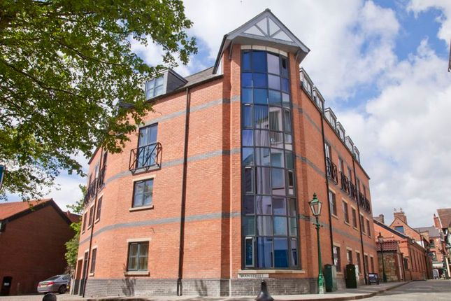 Flat to rent in Swan Street, Lincoln