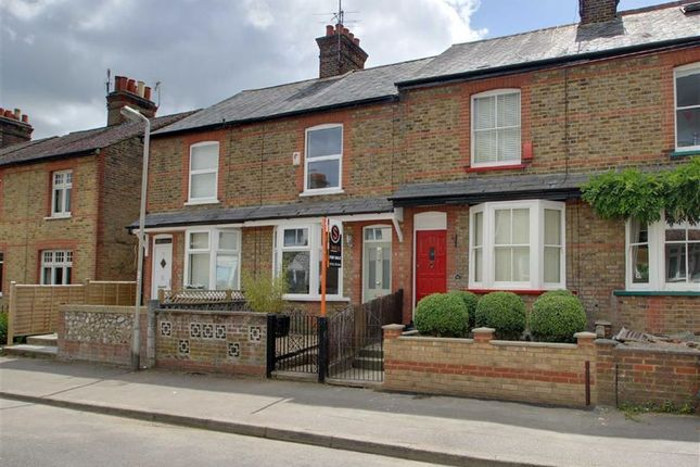 Thumbnail Terraced house for sale in Rucklers Lane, Kings Langley