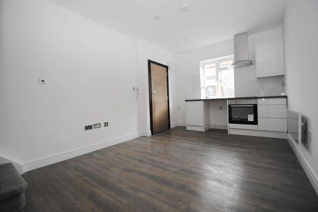 Thumbnail Flat for sale in High Street, Hadleigh, Benfleet