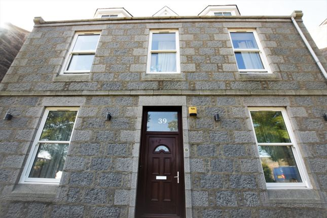 Thumbnail Flat to rent in University Road, Old Aberdeen, Aberdeen