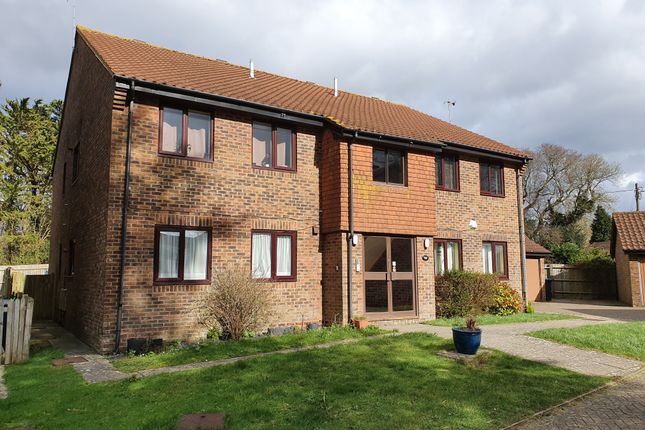 2 bed flat to rent in Sweetlands, Hassocks BN6