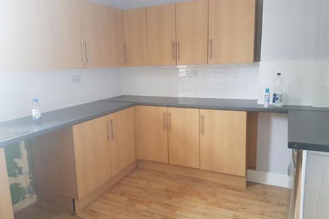 Thumbnail Flat to rent in Scott Street, Larkhall