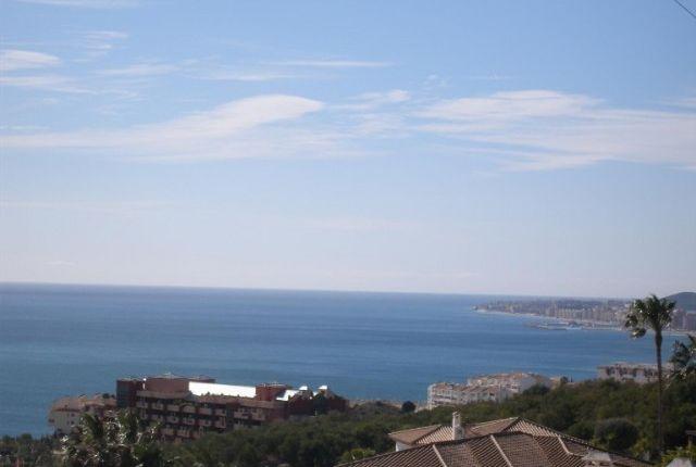 1 Villa And Views (2)