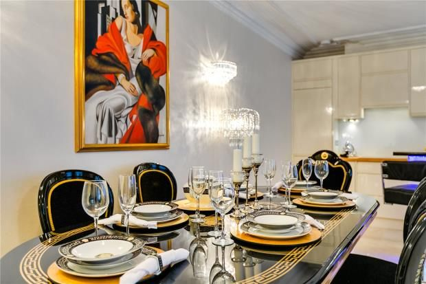 Reception of Park Mansions, 141 Knightsbridge, London SW1X