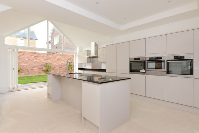 Thumbnail Detached house for sale in Monkton Street, Monkton, Ramsgate