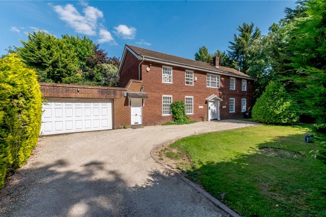 Thumbnail Detached house for sale in Parrotts Close, Croxley Green, Rickmansworth, Hertfordshire