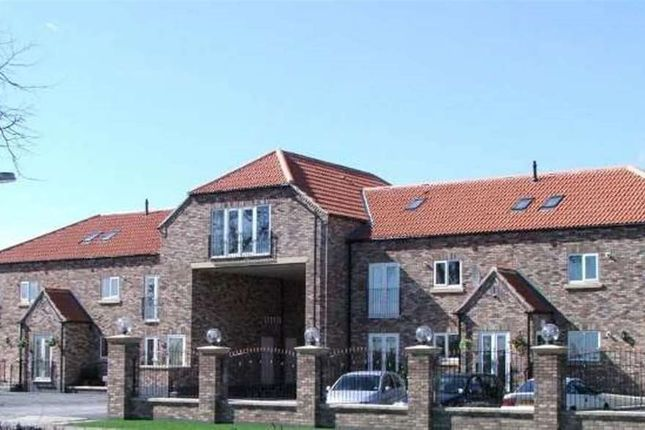 Thumbnail Flat to rent in Station Road, Rawcliffe, Goole