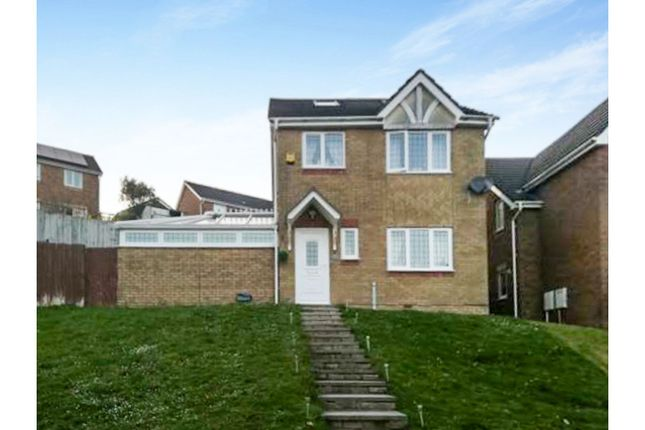 Thumbnail Detached house for sale in The Oaks, Aberdare