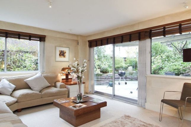 Thumbnail Flat to rent in Campden Hill Road, London