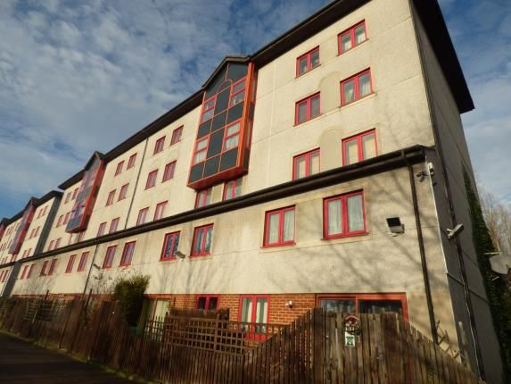 Thumbnail Flat for sale in Castile Court, Eleanor Way, Waltham Cross, Hertfordshire