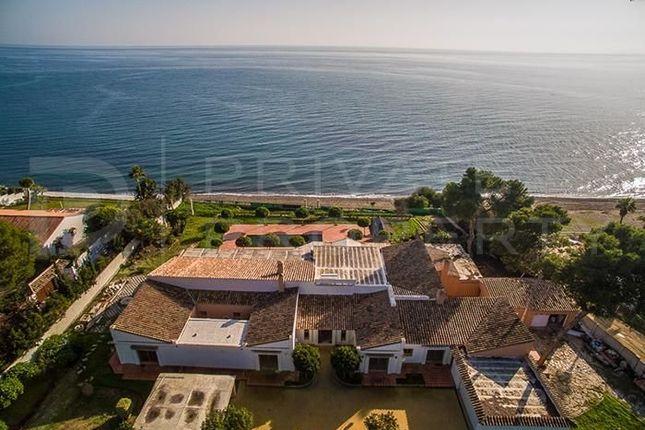 Thumbnail Villa for sale in New Golden Mile, Estepona, Málaga, Spain