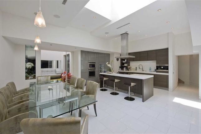 Thumbnail Flat for sale in Avenue Road, St Johns Wood, London