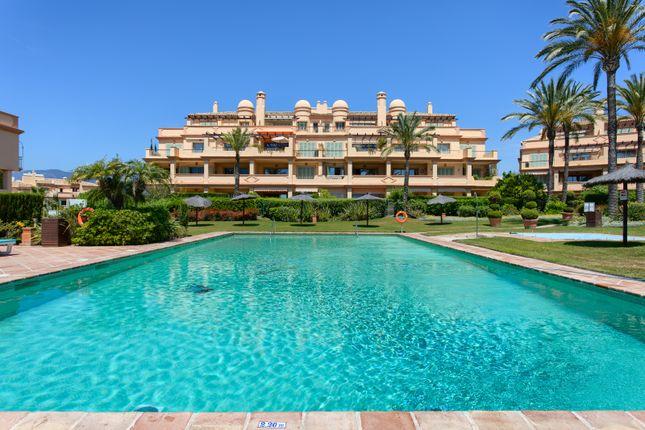 Thumbnail Block of flats for sale in Los Flamingos, Benahavís, Málaga, Andalusia, Spain