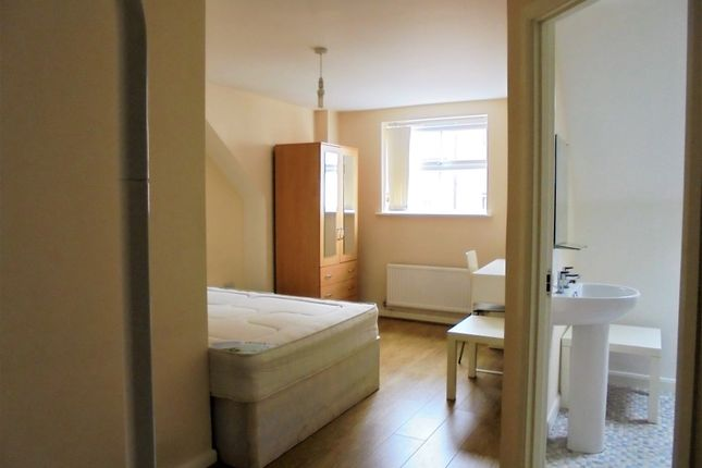 Thumbnail Shared accommodation to rent in Poppleton Close, Coventry, West Midlands