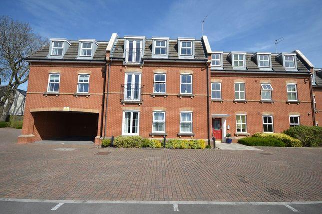 Thumbnail Flat to rent in Ripley Road, Swindon