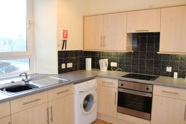2 bed flat to rent in Bridge Road, Kemnay
