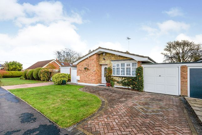 2 bed bungalow for sale in Deerhurst Close, New Barn, Kent DA3