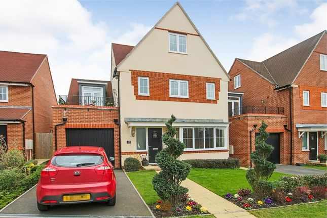 Thumbnail Detached house for sale in 25 Greenhurst Drive, East Grinstead, West Sussex