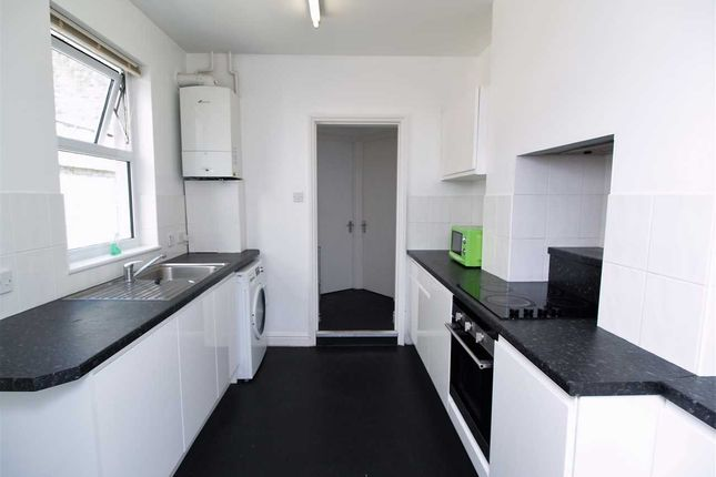 Thumbnail Property to rent in Abingdon Road, Mutley, Plymouth