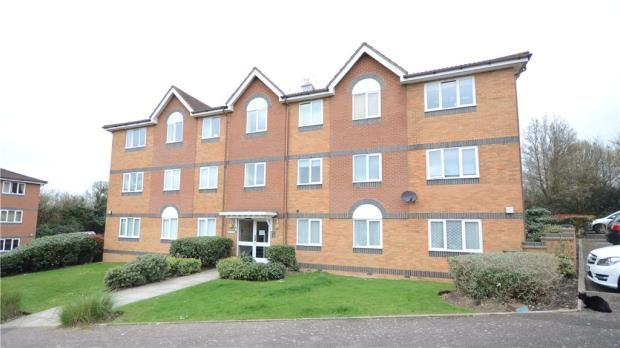 Thumbnail Flat for sale in Chancel Mansions, Hebbecastle Down, Warfield