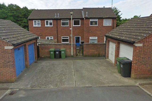 Parking/garage to rent in Treefield Walk, Barnstaple