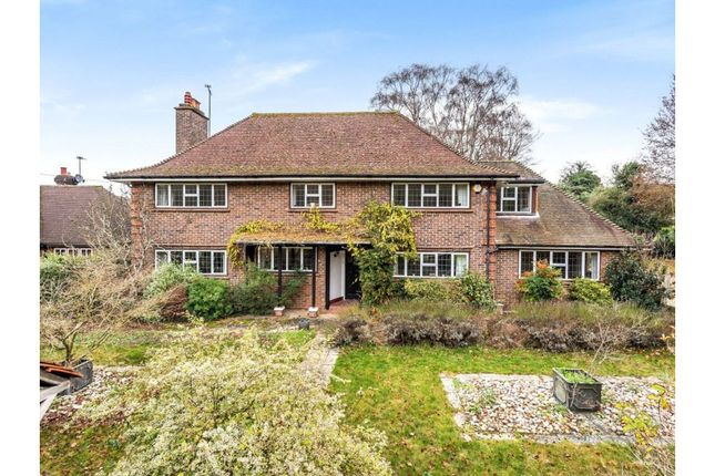4 bed detached house to rent in Shere Road, Guildford GU4